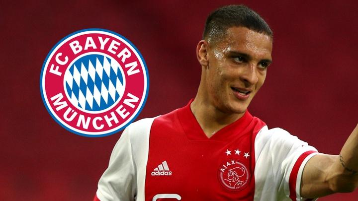 Bayern consulta Ajax por Antony, mas transferência ainda é improvável. EFE