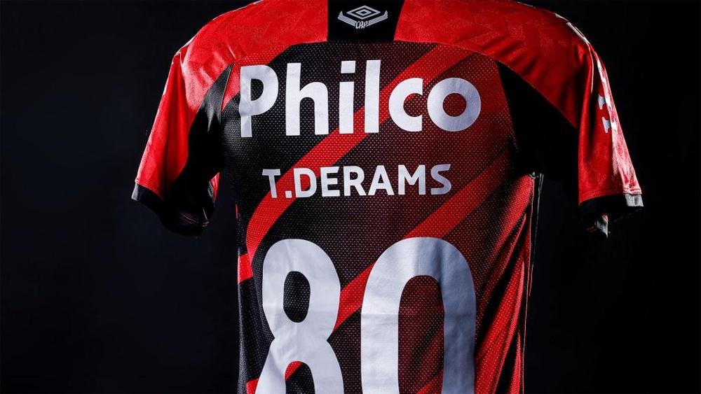 Athletico 'erra' camisas por uma boa causa: conscientizar. AFP