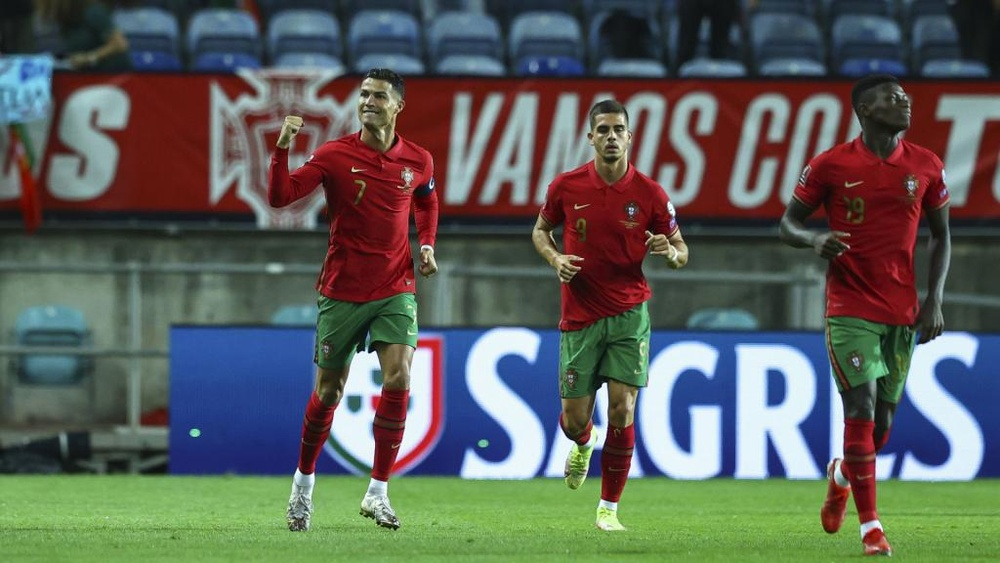 Santos defends ageing Portugal squad after Ronaldo hat-trick sinks Luxembourg