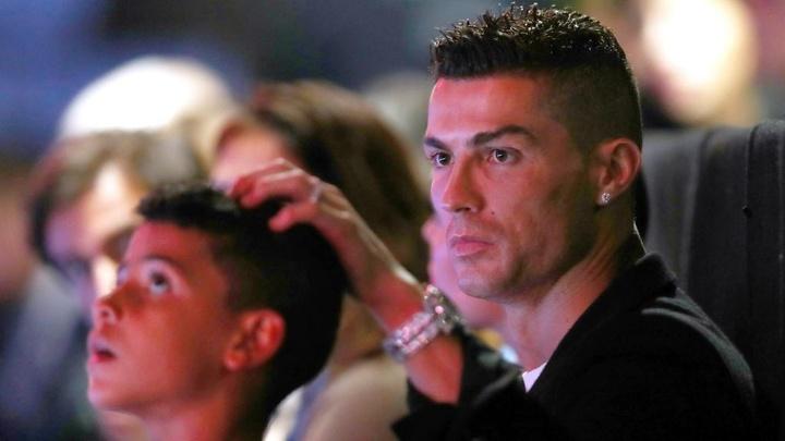 Cristiano Jr prêt à suivre les traces de son père ? Goal