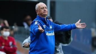 Com Felipão fora, Grêmio vai em busca de novo treinador. EFE