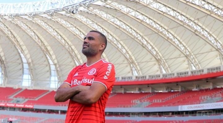 Inter apresenta zagueiro Gabriel Mercado. EFE
