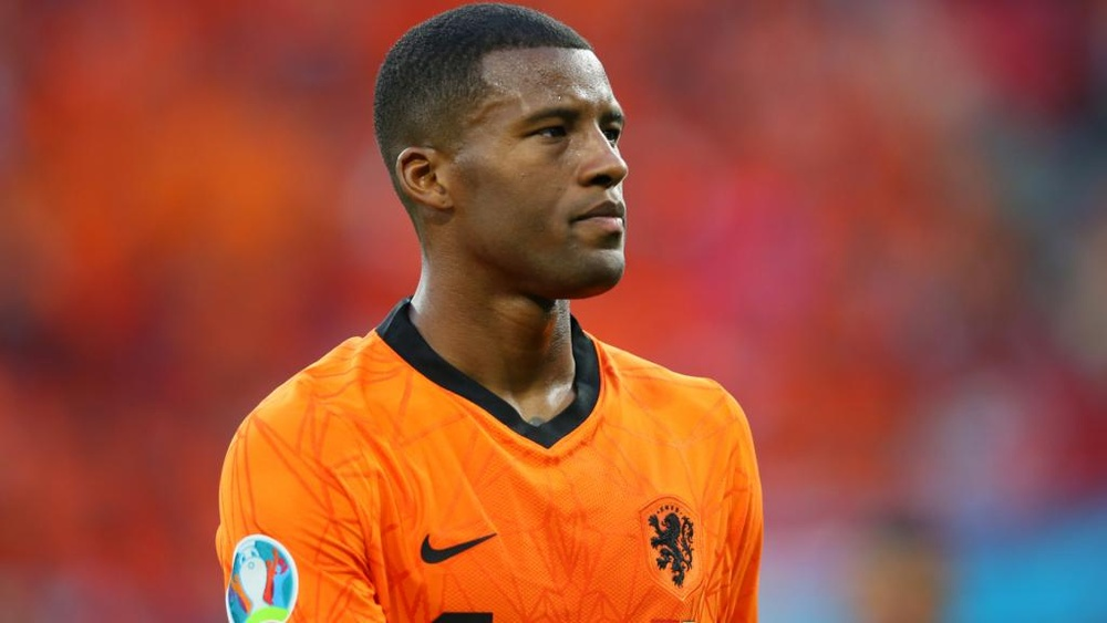 Van Gaal concerned about Wijnaldum's lack of playing time at PSG