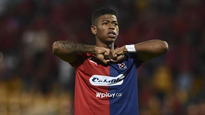 Inter fecha com colombiano Juan Cuesta, mais um negócio do novo modelo colorado. AFP