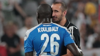 Chiellini exprime sa honte et apporte son soutien à Koulibaly. Goal