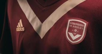 Un maillot collector dévoilé pour les 140 ans des Girondins. Goal