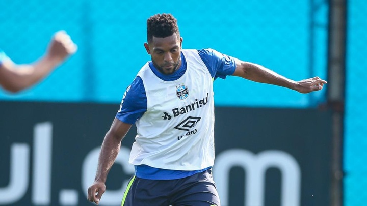 Borja é regularizado no Grêmio e pode estrear contra a Chapecoense