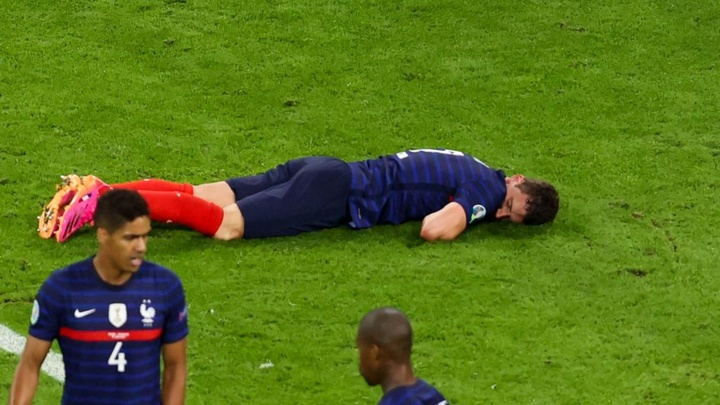 France star Pavard: I was knocked out for 15 seconds