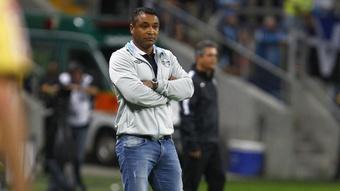 Roger Machado Grêmio Coritiba Copa do Brasil 27082015. DUGOUT