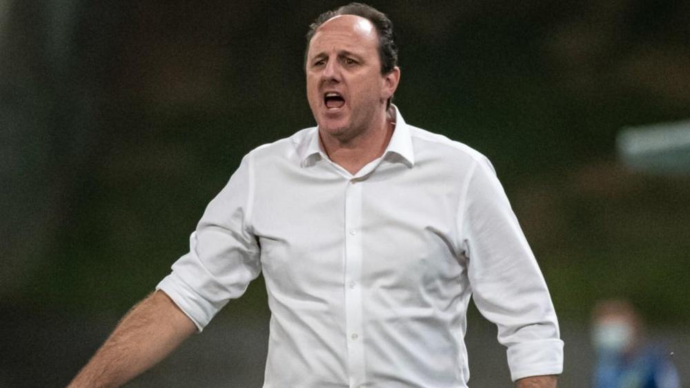 Quem deve ser o novo técnico do São Paulo após a saída de Crespo? EFE