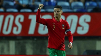 RoSantos appears to aim dig at Man Utd boss Solskjaer: Ronaldo really needs to play.
