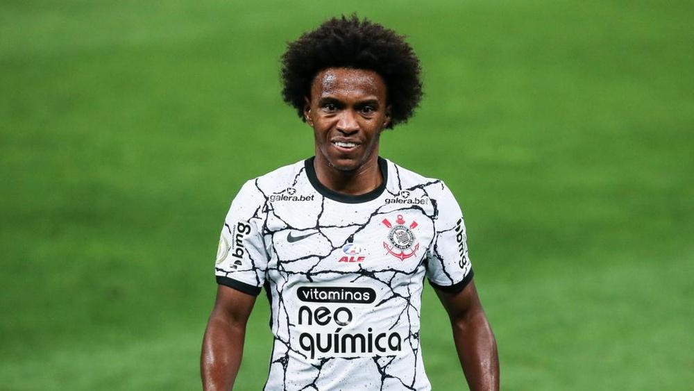 Estreia de Willian anima, mas Corinthians ainda não resolve em casa. AFP